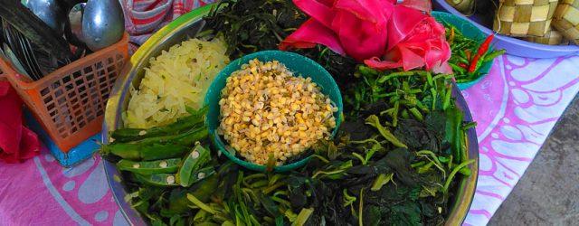 Pecel bunga kecombrang