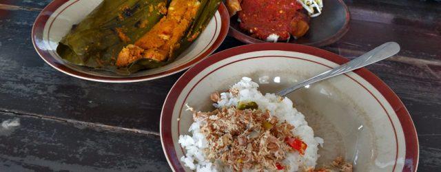 warung makan pecak ikan