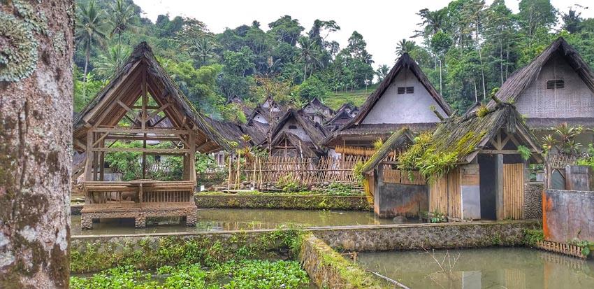 wisata kampung naga tasikmalaya