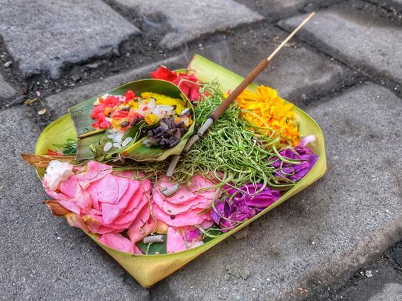 sesajen Bali