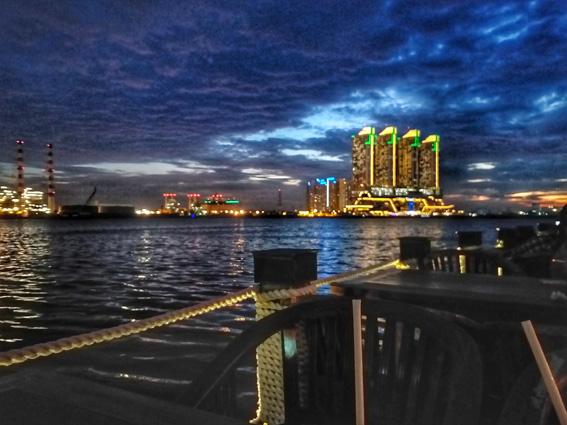 view malam jetski cafe