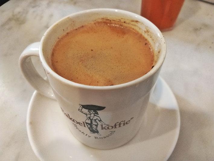 Kopi tubruk Bakoel Koffie Cikini